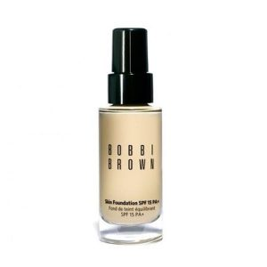 Kem nền Bobbi Brown